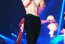 kpop idols cute abs