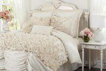 Beautiful Bedrooms / Beautiful and inspiring bedrooms