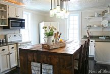Kitchen / Table, Kitchen island
