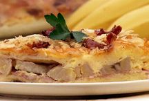 Strange Thanksgiving Foods / Turkeys with anchovies....banana and ham pie?