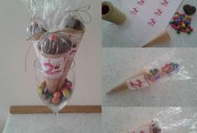 party favors ice cream cones
