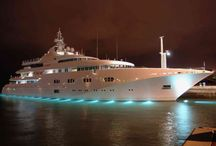 I Spot Extravagance / We find all sorts of luxury items that you might like. Some a little extravagant but who doesn't like to dream big.
