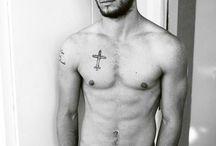 Holy hotness!!