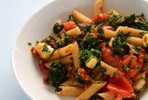 easy dinner ideas / by Abigail Lopez
