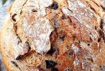 pane e panini / Come fare il pane. E' una bella soddisfazione preparare il pane in casa, sia per il profumo che per la bontà. E' una prelibatezza che si prepara senza troppo impegno. Squisite ricette di pane e panini da provare e gustare. http://iopreparo.com/le-ricette/lievitati/