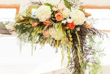 Wedding Arch / Ideas for decorating arches with flowers to create stunning photo backdrops