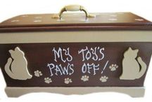 Pet Beds, Toy Boxes, Pet Furniture / We offer designer pet gates, custom dog beds and toy boxes made for your dog or cat.