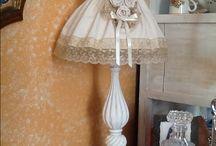 Lampada shabby / Realizzata a mano,cotone pique' colonials pois bianchi,con pizzo,rose nastro di rasp