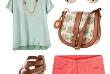 Lovely outfits / by Daniela O