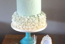 Ruffles and sequins wedding cakes