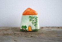 Miniature Houses / I really like these little houses, so sweet and cute, full of creativity and fun .......  我實在非常喜歡這些小房子 它們如此甜蜜和可愛 充滿創意和趣味 ....... 它們來自陶瓷,布料,粘土,木材,紙張等 ......