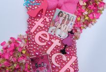 Jazzy's Creations Cases / Here are some of the custom cases I have done. They can be made for any type of phone and you pick everything you are wanting on there.
