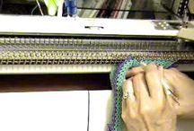 lavorare con la macchina di maglieria