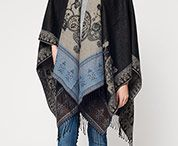 Poncho's and cape's / In the morning and evening it is chilly and during the day it is warm, fall is in the air. It can be tricky when it comes to find a versatile piece for this days, poncho's and cape's are the perfect choice. They are comfortable, warm and stylish.
