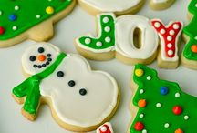 CHRISTMAS COOKIES AND CUPCAKES