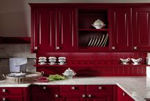 Colourful Kitchens / Be brave with colour in the kitchen. Bright tiles and colourful kitchen cabinets are unique and make a bold statement. Here are some favourites.