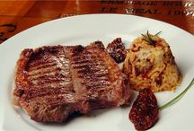 Receitas com Carne Suína / Diversas receitas com carne de porco. Bistecas, joelhos, linguiça, costelinha entre outras.