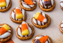 Udderly Smooth Candy Corn Creations / Candy Corn and Fall go together like a hand and a glove. We found the Udderly Smoothest Candy Corn Creations on pinterest to inspire your fall snacking.