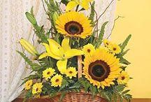 λουλουδια σε καλαθι