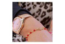Collections / Découvrez nos collections de bijoux de créateurs faits à la main à Paris, en France. Discover our jewels collections, handmade in Paris, France.