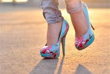 Vintage Footwear / All of the best vintage footwear out there to walk around in style!
