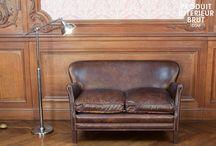 Bien assis dans votre salon / Des canapés dans les styles industriels, scandinaves et campagnes qui ne vous laisseront pas indifférents.