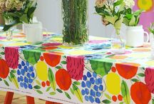 Marimekko Puutarhapöytä