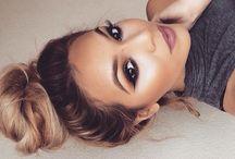 Makijaż pasujący do włosów