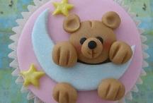 Cupcake ideas  / by Liseet Jorge