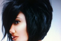 Hair ><