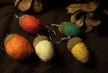 Handmade water felted real acorn wool earring with sterling silver wires. / Cute small water felted earring with real acorn cups, it is a nice, elegant and sober jewerly and also offer up a whimsical, delightful nod to Mother Nature and the Autumn season. They do not stretch your earlobes, because these felted acorn earrings are lightweight. Colors you see on your monitor are not always the same as the real item. This is because different types of monitors are calibrated differently.