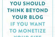 MONETIZE YOUR YOGA WEBSITE / Tips how top monetize your yoga website for yoga teachers and make money online.
