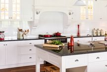 Albedor Traditional Style Kitchen Design