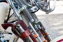 Harley Davidson / Motorcycle