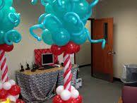 Dr. Seuss Cat in the Hat Balloon Ideas / Cat in the Hat Dr. Seuss Balloon arches, Balloon Centerpieces, Balloon Columns