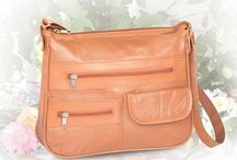 Purses & Wallets / The Organzing Handbag is the perfect everyday purse!