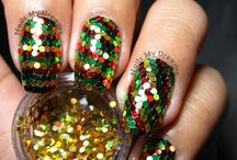 Glitter Placement Nail Art / nail art made by individually placing glitters