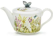 Collectible Teapots / We offer teapots of all shapes and sizes, all patterns and styles!