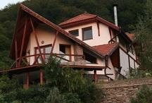 Pensiuni si hoteluri 2012 / Cel mai complet portal de turism din Romania va prezinta peste 1500 pensiuni si hoteluri din Romania si strainatate.Prezentari de exceptie cu TUR VIRTUAL !! Rezervari directe la cele mai mici tarife.