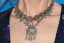 Celebrity antique jewellery fans
