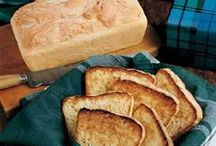 Food - Breads & Loaves / by Amanda Olliver