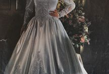 brudekjoler gjennom tidene /  wedding dresses through the ages