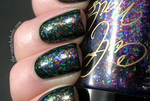 Cool nail art and polish / by Iluva Mychesticles