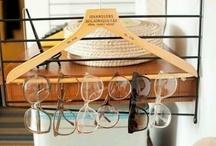 Wohin mit der Brille? / Brillen müssen nicht immer in der dunklen Schublade verschwinden. Wunderschöne Gestelle dürfen ruhig gezeigt werden! Wir haben Ideen gesammelt, wie Brillen so richtig zur Geltung kommen!