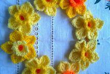 Crochet wreaths & flowers