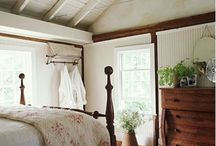 White rooms with light wood antiques