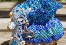 Beautiful Beads and Buttons / Beautiful beaded (and buttoned) sculptures and jewelry