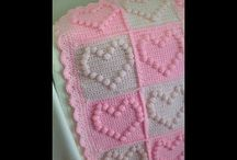 Crochet baby blanket with heart in middle