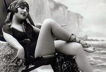 The ROARing 20's : the Flapper Era / Vintage ads, cards, illustrations & photographs • Vintage fashion / by ˙·●●๑۩  Maïa Lavida  ۩๑●●·˙