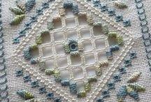 Hardanger, vanicas and Counted Threads / Calado / bainhas / by Dorian Ashton